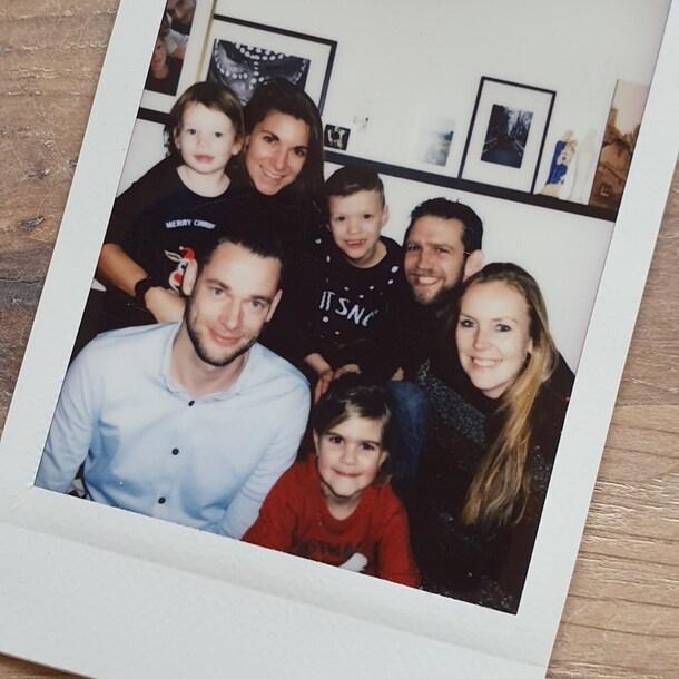 De hele modern family samen