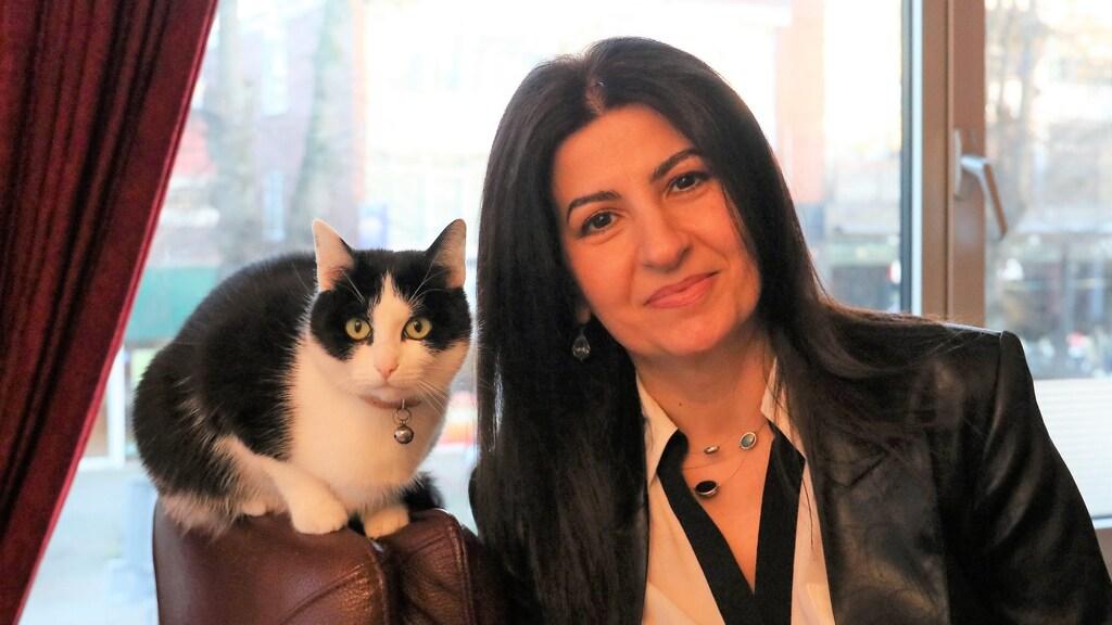 Nour en poes Bisi