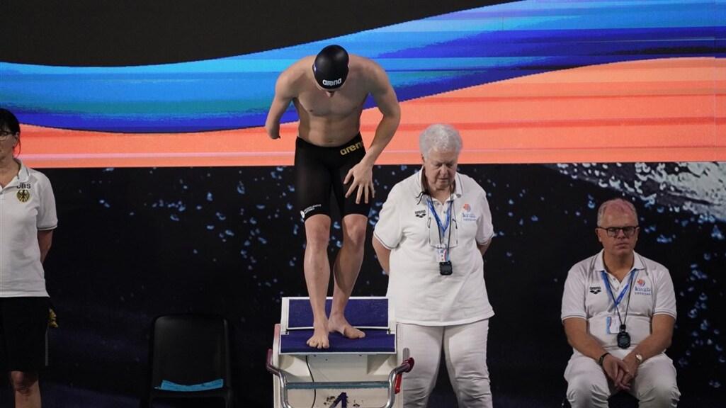 Tim van Duuren op het startblok tijdens de Amsterdam Swim Cup in 2019.