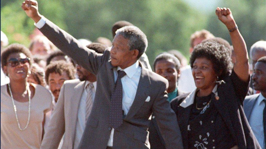 Mandela wordt vrijgelaten op 11 februari 1990.