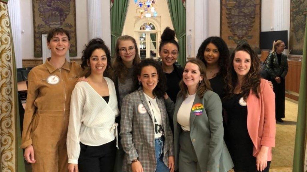 Een deel van het Stem op een Vrouw-team