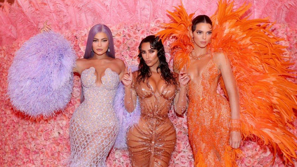 Kylie, Kim en Kendall tijdens het Met Gala in 2019.
