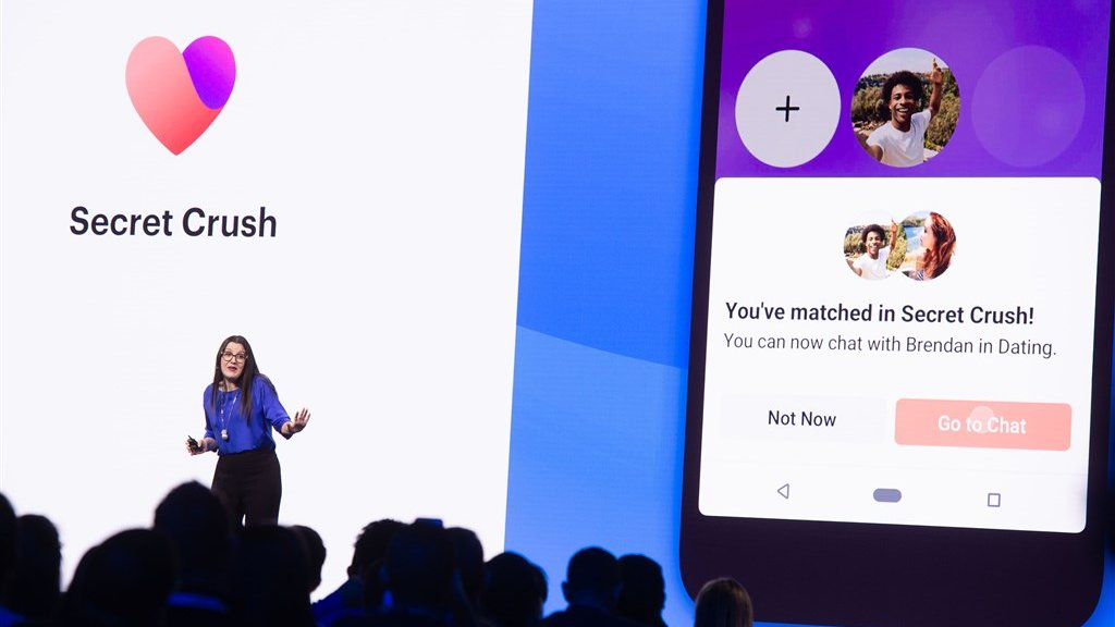 "San Jose (2019): Facebook manager Fidji Simo introduceert de ""Secret Crush"" dating functie ophet F8 developer conferentie."