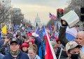 Duizenden Trump-aanhangers demonstreren tegen verkiezingsuitslag