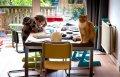 Betaald verlof en docent aan huis: zo helpt de baas zijn werknemers