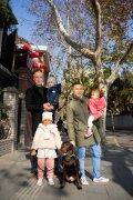 Remco is diplomaat en woont met man en drie kinderen in China: 'Een beetje terug de kast in'