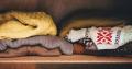 Vergeet Marie Kondo: dít moet je je eigenlijk afvragen bij het opruimen van je kleding