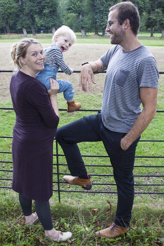 Renske en Simon en een van hun kinderen